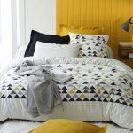Linge de lit style scandinave motif triangles