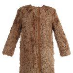 Le-manteau-en-fourrure-Laurence-Dolige.jpg