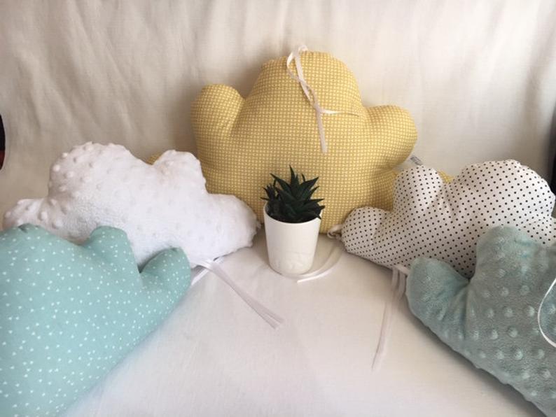 Tour de lit nuages bébé 5 coussins pastels jaune moutarde | Etsy